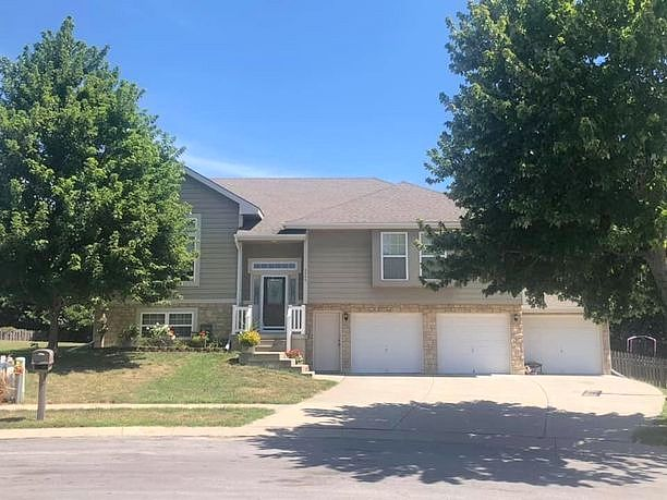 4 Bedrooms / 3 Bathrooms - Est. $1,934.00 / Month* for rent in Kearney, MO
