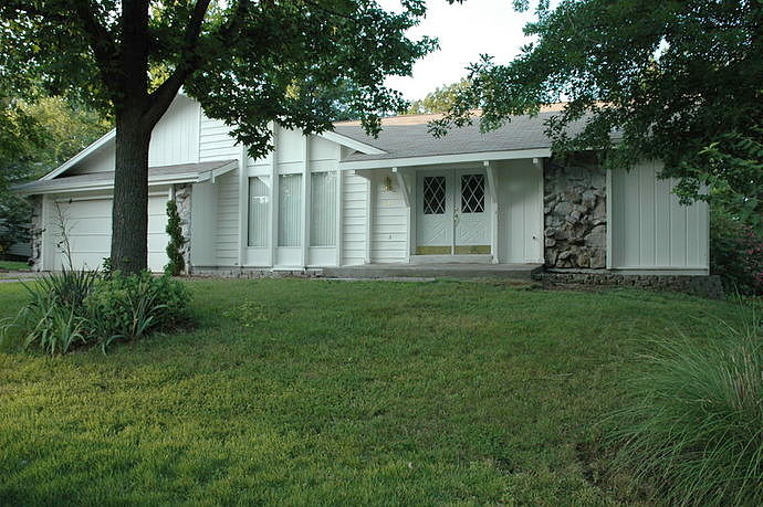 4 Bedrooms / 2 Bathrooms - Est. $1,567.00 / Month* for rent in Lake Saint Louis, MO