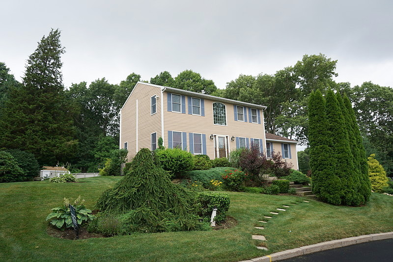 Image of rent to own home in Cranston, RI