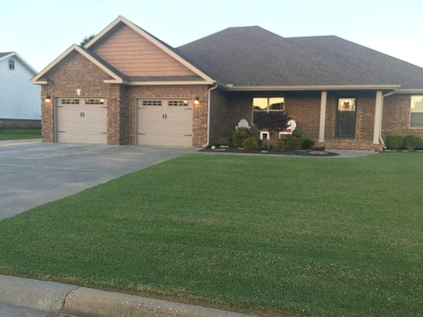 3 Bedrooms / 2.5 Bathrooms - Est. $1,133.00 / Month* for rent in Paragould, AR
