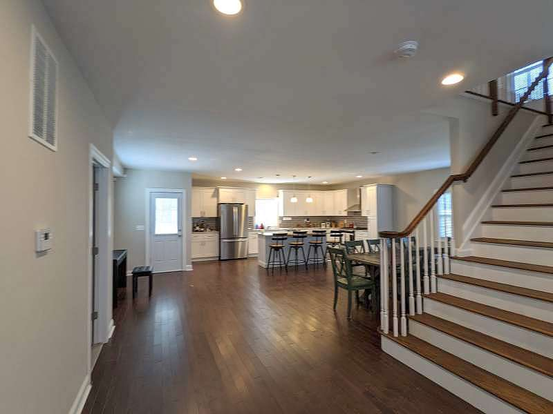 Image of rent to own home in Colonia, NJ