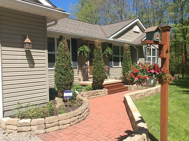 Image of rent to own home in Garrettsville, OH
