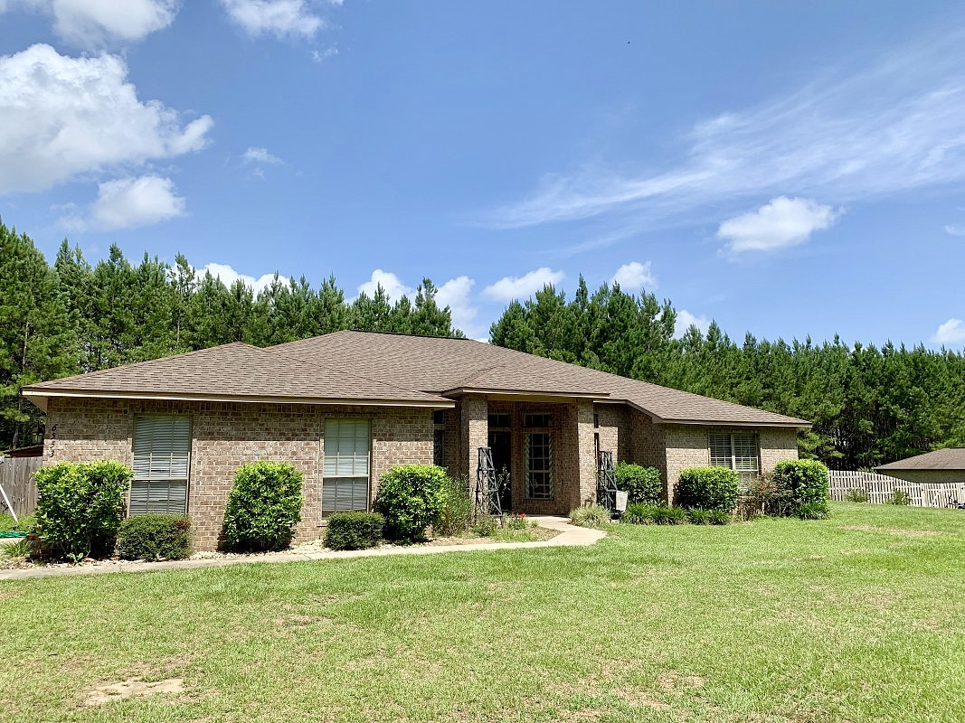 Image of rent to own home in Laurel Hill, FL
