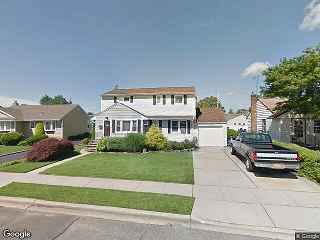 Image of rent to own home in Hicksville, NY