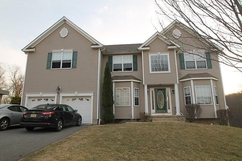 5 Bedrooms / 2.5 Bathrooms - Est. $3,935.00 / Month* for rent in Lake Hopatcong, NJ