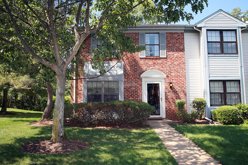 2 Bedrooms / 2.5 Bathrooms - Est. $1,774.00 / Month* for rent in Franklin Park, NJ