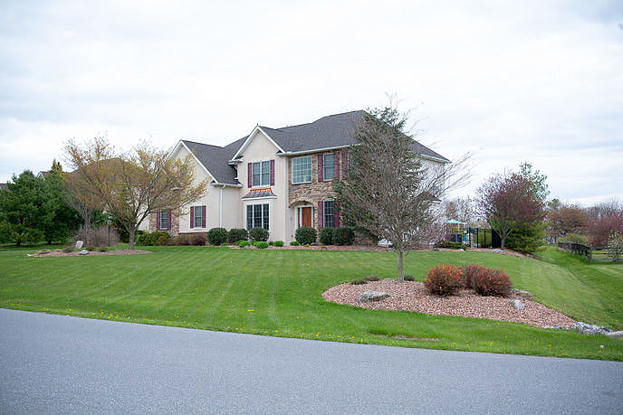Image of rent to own home in Schnecksville, PA