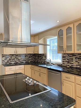 3 Bedrooms / 2.5 Bathrooms - Est. $2,988.00 / Month* for rent in Hudson, NH