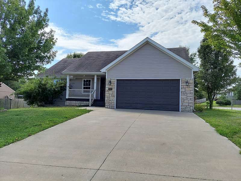 Image of rent to own home in Oak Grove, MO