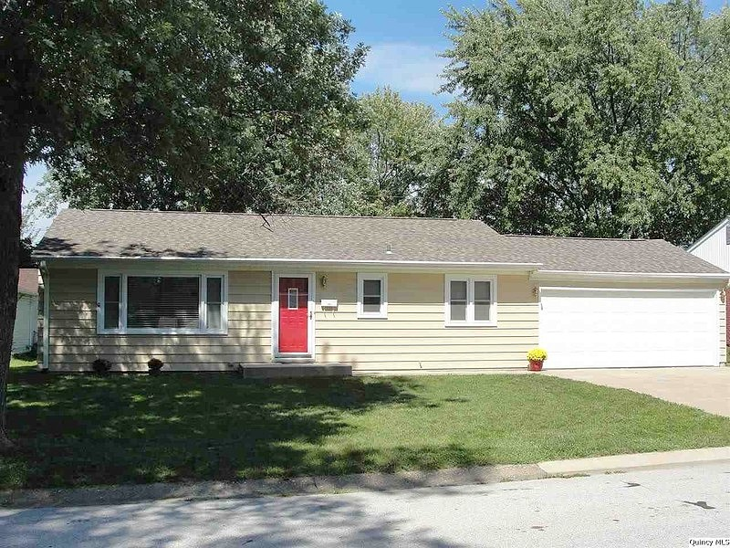 3 Bedrooms / 1 Bathrooms - Est. $800.00 / Month* for rent in Quincy, IL