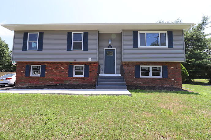 4 Bedrooms / 2.5 Bathrooms - Est. $2,461.00 / Month* for rent in Middletown, NY