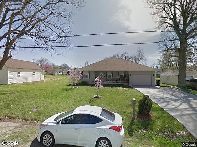 3 Bedrooms / 2 Bathrooms - Est. $967.00 / Month* for rent in Aurora, MO
