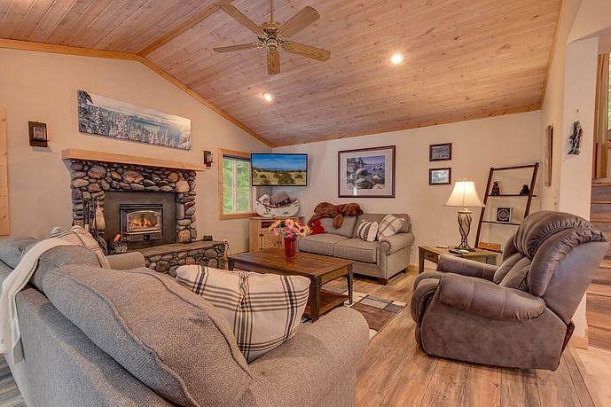 3 Bedrooms / 3 Bathrooms - Est. $4,996.00 / Month* for rent in Tahoe Vista, CA