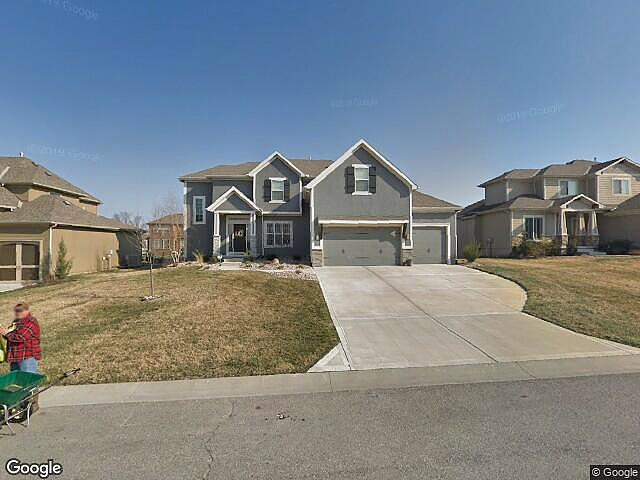 4 Bedrooms / 4 Bathrooms - Est. $3,068.00 / Month* for rent in Lees Summit, MO