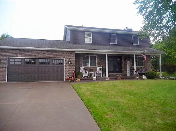 3 Bedrooms / 2.5 Bathrooms - Est. $1,861.00 / Month* for rent in Quincy, IL