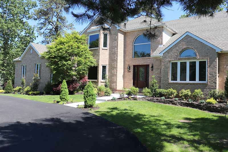 4 Bedrooms / 3 Bathrooms - Est. $5,225.00 / Month* for rent in Freehold, NJ