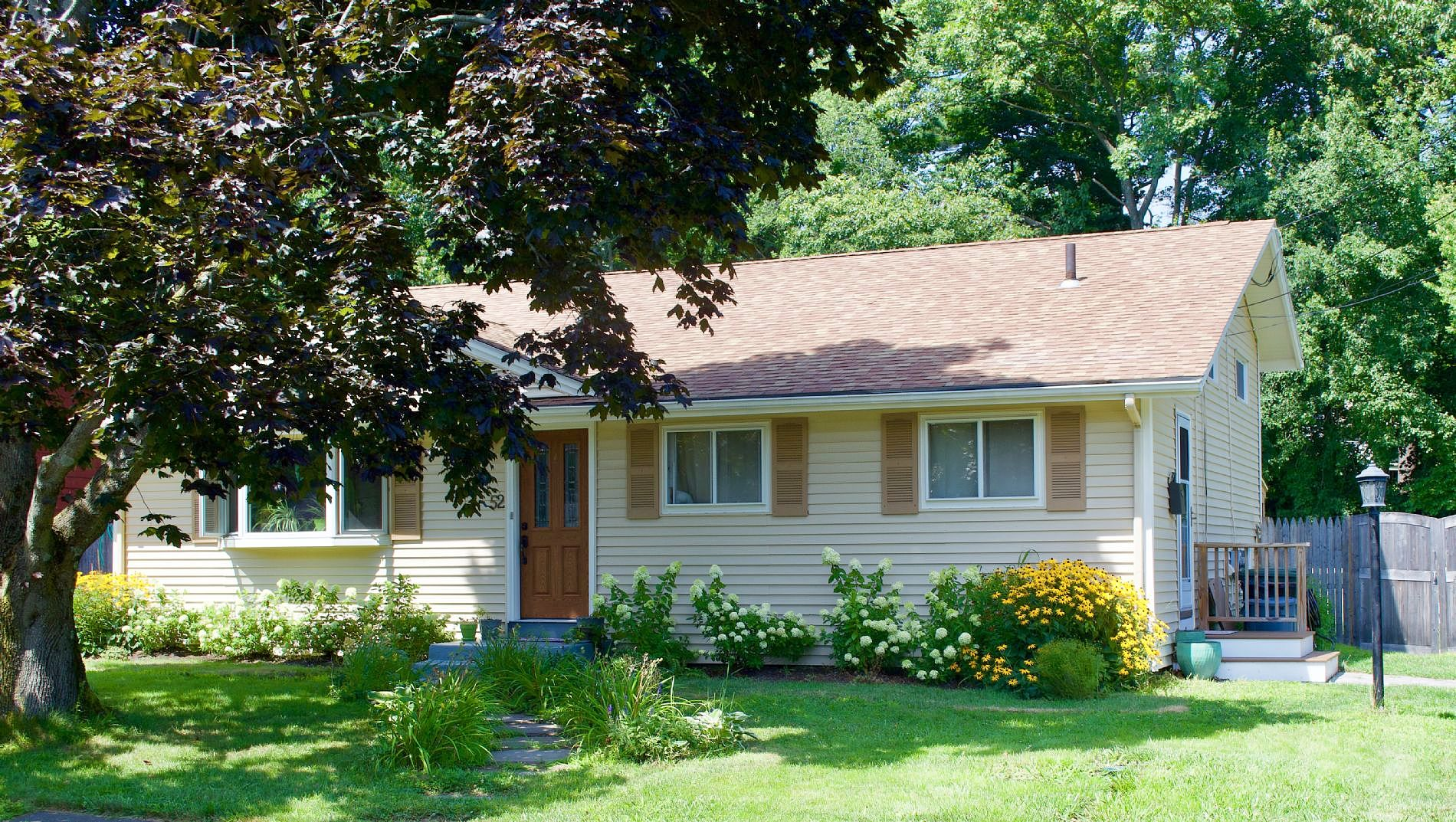 3 Bedrooms / 1.5 Bathrooms - Est. $3,168.00 / Month* for rent in Beverly, MA