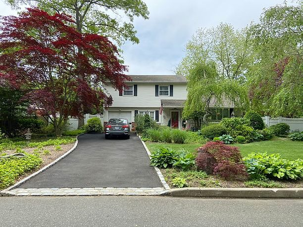 Image of rent to own home in Commack, NY