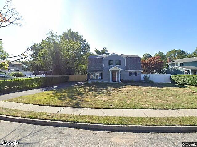 Image of rent to own home in Oakdale, NY