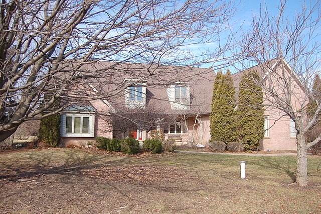 Image of rent to own home in Hawthorn Woods, IL