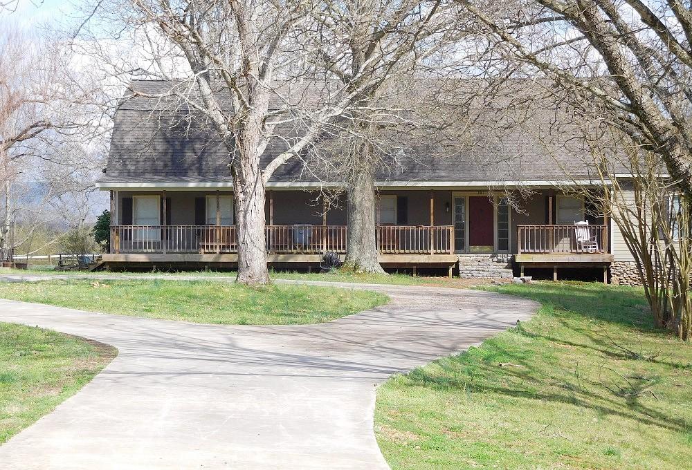 4 Bedrooms / 2.5 Bathrooms - Est. $3,235.00 / Month* for rent in Huntsville, AL