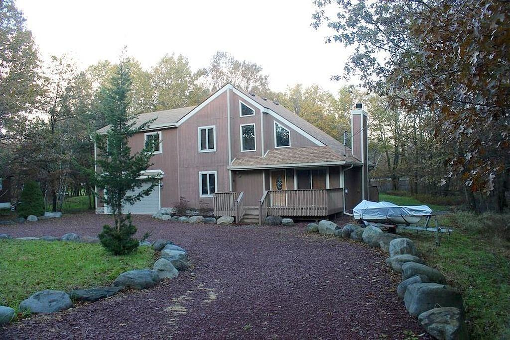 Image of rent to own home in Long Pond, PA