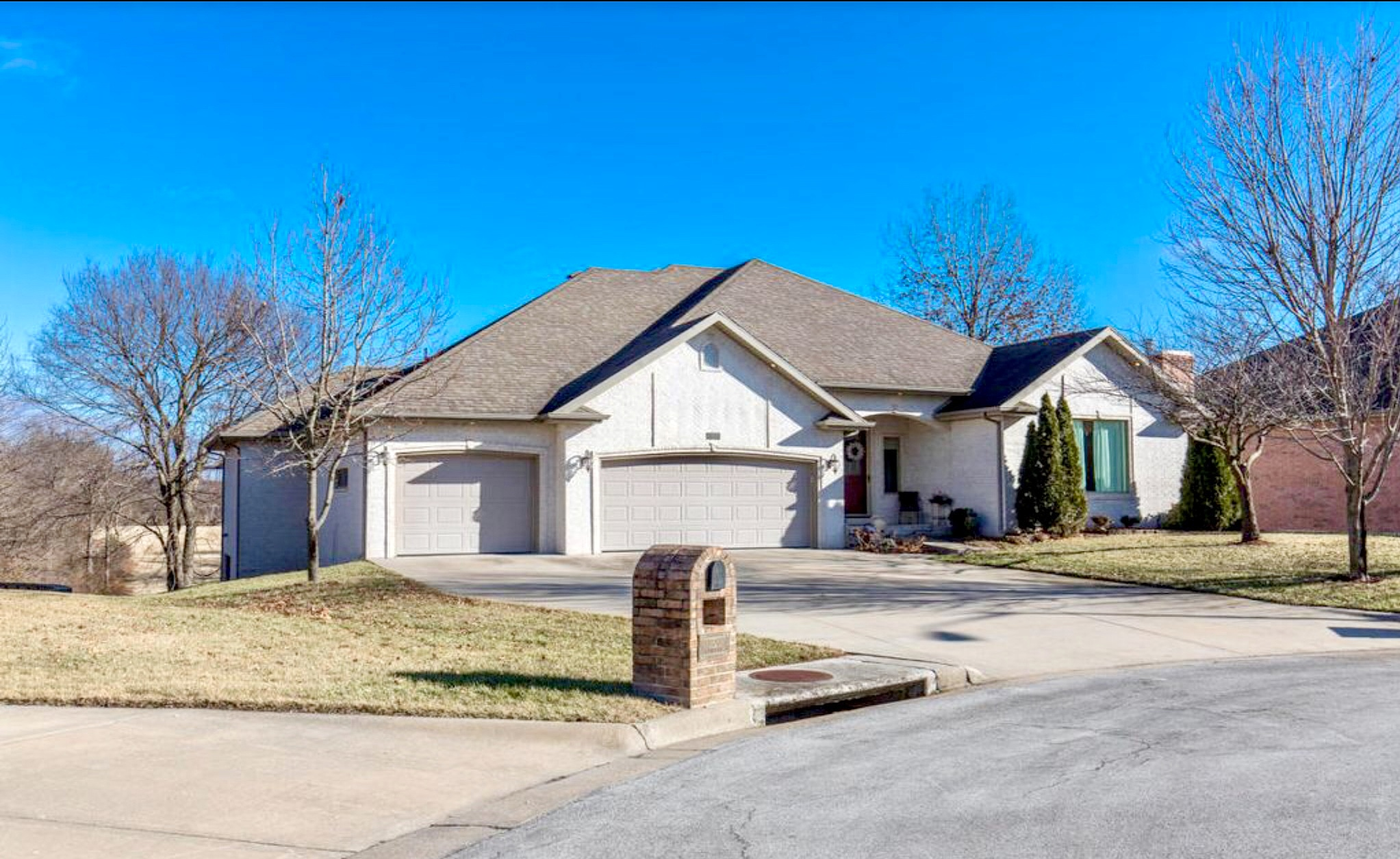 4 Bedrooms / 3.5 Bathrooms - Est. $2,435.00 / Month* for rent in Springfield, MO