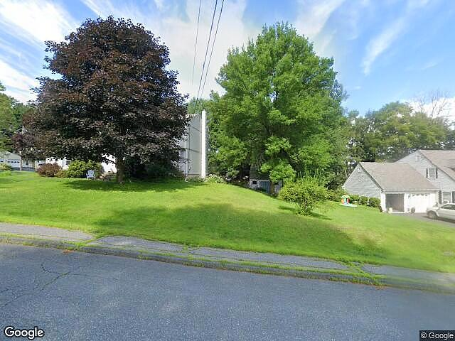 4 Bedrooms / 2 Bathrooms - Est. $2,334.00 / Month* for rent in Lebanon, NH