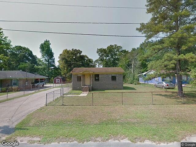 3 Bedrooms / 1 Bathrooms - Est. $424.00 / Month* for rent in Saraland, AL