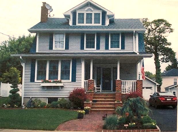4 Bedrooms / 2.5 Bathrooms - Est. $4,335.00 / Month* for rent in Kenilworth, NJ