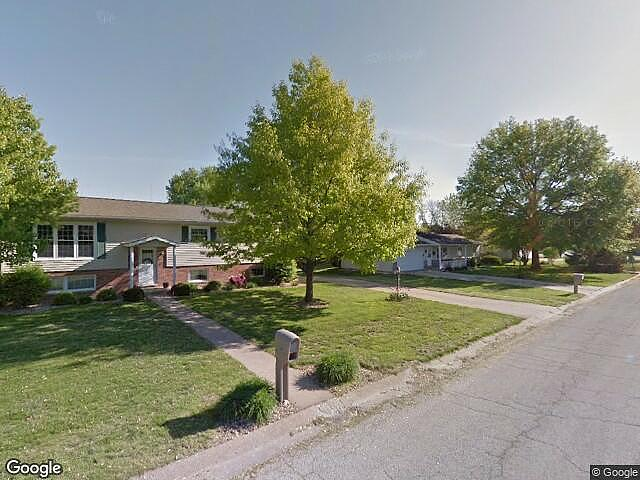 5 Bedrooms / 3 Bathrooms - Est. $1,467.00 / Month* for rent in Quincy, IL