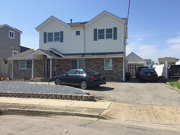 Image of rent to own home in Lindenhurst, NY