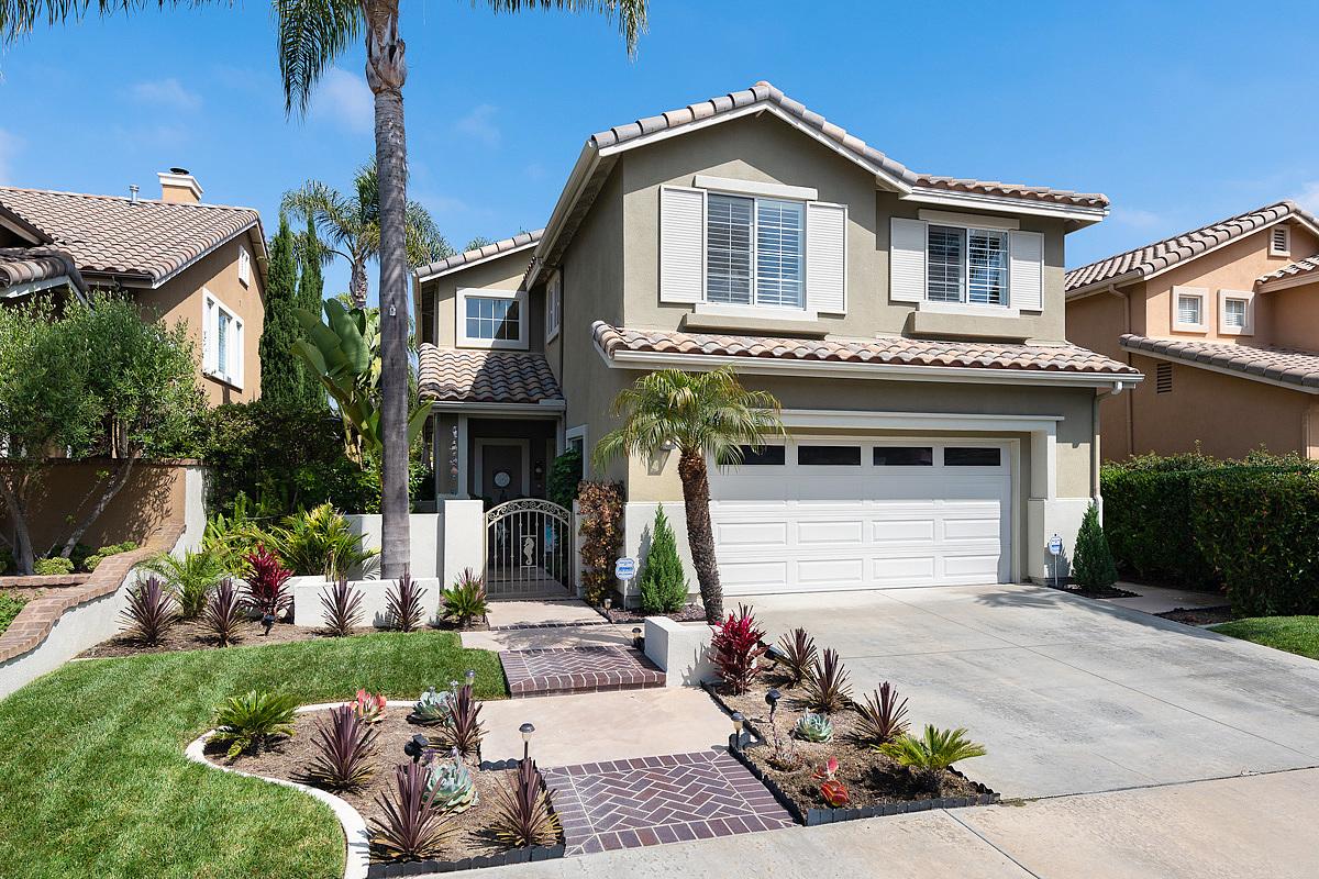 3 Bedrooms / 2.5 Bathrooms - Est. $6,136.00 / Month* for rent in San Clemente, CA