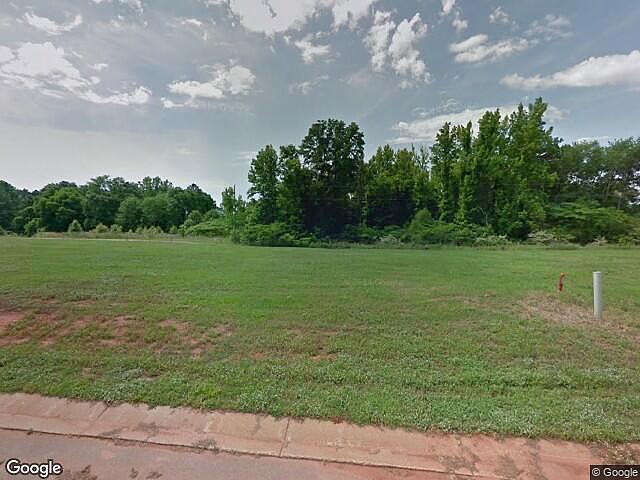 3 Bedrooms / 4 Bathrooms - Est. $2,167.00 / Month* for rent in Moundville, AL