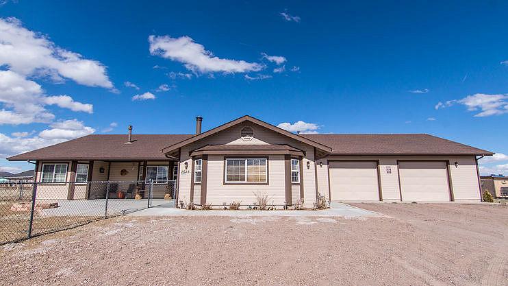 3 Bedrooms / 3 Bathrooms - Est. $4,268.00 / Month* for rent in Flagstaff, AZ