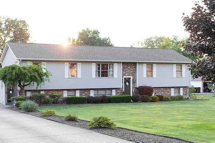 Image of rent to own home in Hermitage, PA