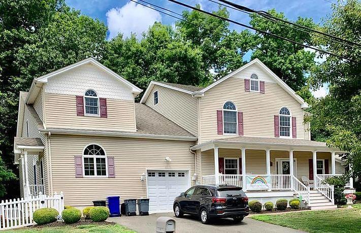 6 Bedrooms / 3.5 Bathrooms - Est. $5,135.00 / Month* for rent in Totowa, NJ