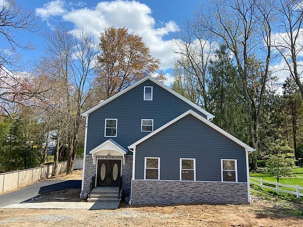 5 Bedrooms / 3 Bathrooms - Est. $5,329.00 / Month* for rent in Emerson, NJ