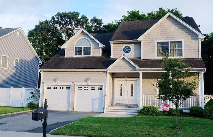 Image of rent to own home in Syosset, NY