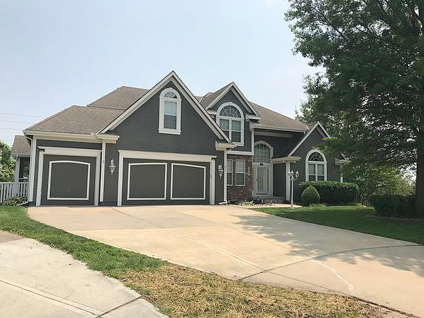 4 Bedrooms / 3.5 Bathrooms - Est. $2,168.00 / Month* for rent in Raymore, MO